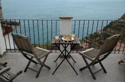 i limoni balcony sea view riomaggiore