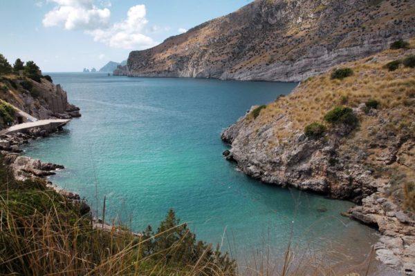 bay of leranto hiking amalfi coast