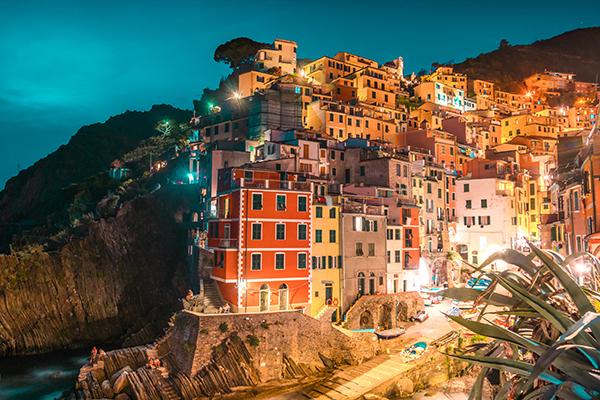 italy honeymoon in the Cinque Terre